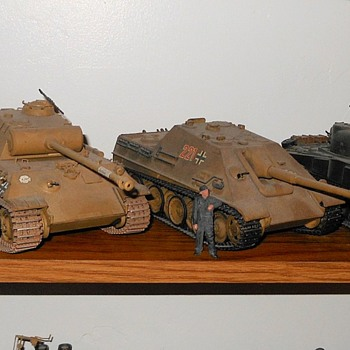 Tamiya Panther Tank and Jagdpanter Models - Toys
