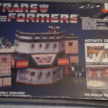 VINTAGE TRANSFORMERS ACTIVITY CENTER FACTORY SEAL MINT CONDITION - Toys