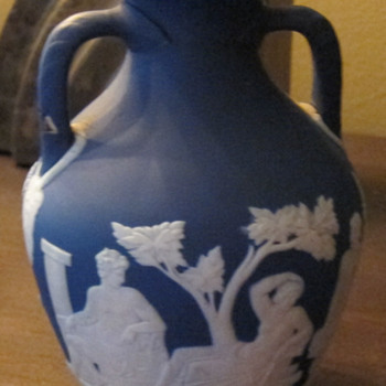 Small Wedgwood Portland vase (Blue and White Jasperware)