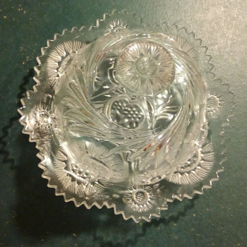 Stunning butter Dish - Glassware