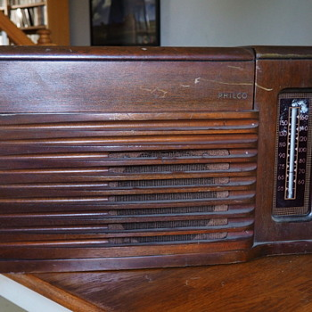 Philco 46-1203 Radio Phonograph
