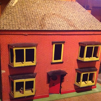 Vintage wooden dolls house. - Dolls