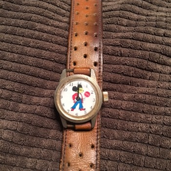 Mickey Mouse Watch from mid 1970s. ?  - Wristwatches