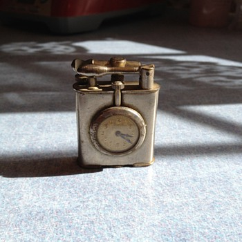 Cigarette lighter/watch - Tobacciana