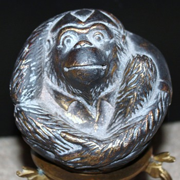 Small ball with monkey