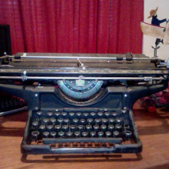 Unsolved Typewriter ! help ! - Office