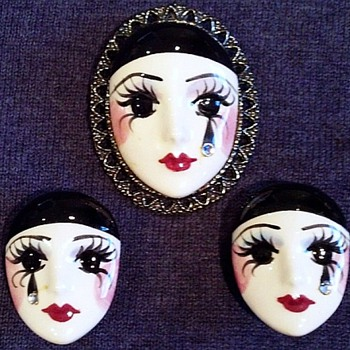 Hand Painted Mask Demi, Very Unusual  - Costume Jewelry
