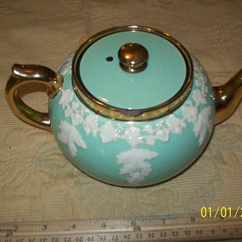 Gibson Stafforshire Teapot - China and Dinnerware