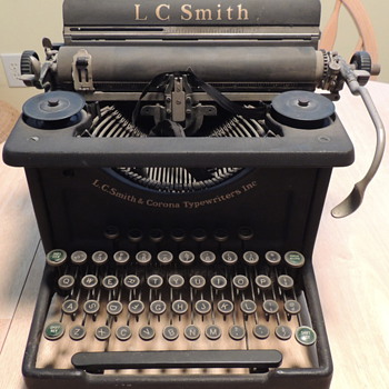 L.C. Smith 8-10 Typewriter - L.C. SMITH &amp; CORONA TYPEWRITERS INC. - Office