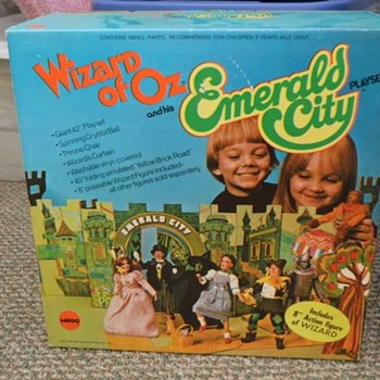 EMERALD CITY,(WIZARD OF OZ) PLAYSET NEW OLD STORE STOCK, UNOPENED
