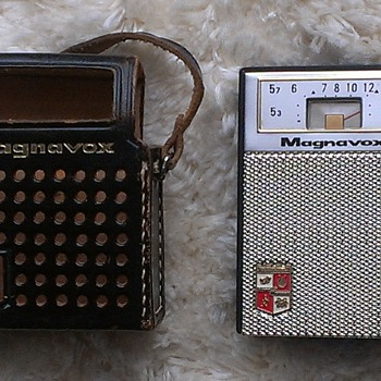 Magnavox AM62 Transistor Radio