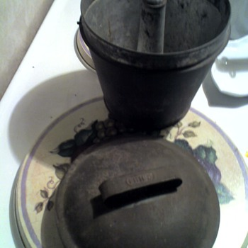 Help ! ! Bought this &quot;thing&quot; at a garage sale .? ? ? - Kitchen