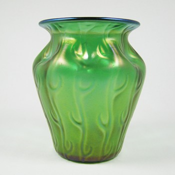 "Loetz Art Glass Neptun ""Seaweed"" Vase ca. 1900-05 - Art Glass"