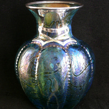 Studying the Subtleties of Vase Shape - Art Glass