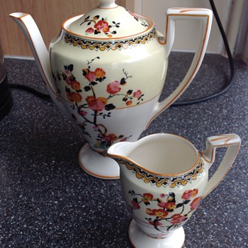 Crown Ducal small teapot & creamer - Kitchen