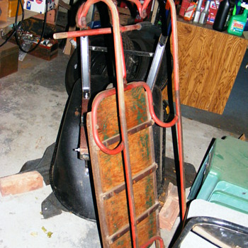 NEED HELP! 100+ YR OLD SNOW BOBSLED W/ STEEL TUBE RUNNERS, VERY OLD! - Outdoor Sports