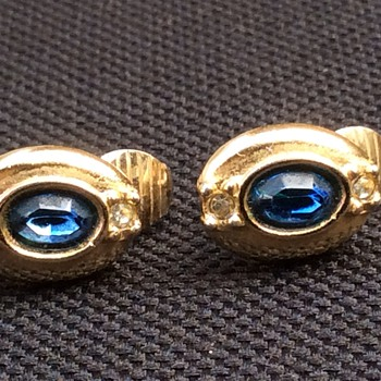 Vintage avon earrings - Costume Jewelry
