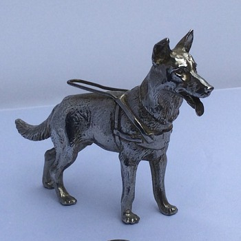 Silver dog - Figurines
