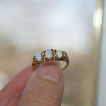 14K Gold, Opals, and Diamonds (?) Ring