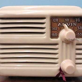 Arvin 444 Tube Valve radio
