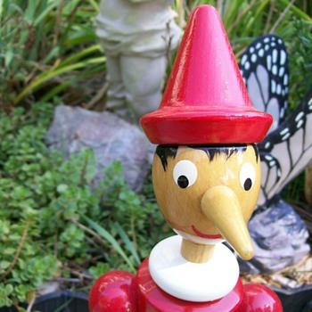 "Disney's Pinocchio made in Italy, Milano, Giocattoli Brevettati 16"" Tall - Toys"