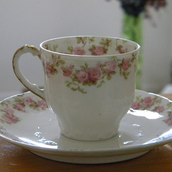 Vintage French Gda Tea cups and Saucer
