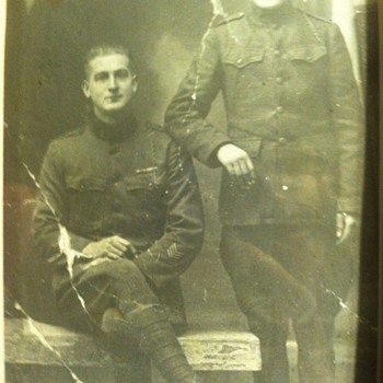 Two Ww1 soldiers  - Military and Wartime