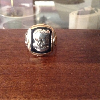 Gold and silver Trojan ring