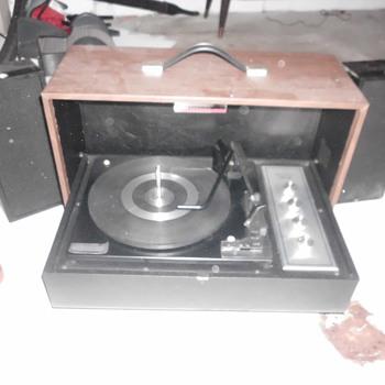 sylvania stereo
