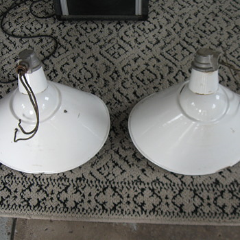 Old QUAD Porcelain sign Lights