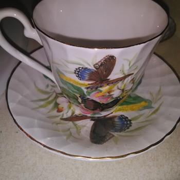 Tea cups & saucer - China and Dinnerware