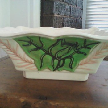 Square white bowl w/ green decoration - Art Pottery