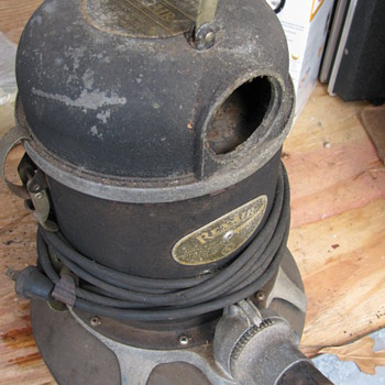 An ancient Vacuum Cleaner!! - Tools and Hardware