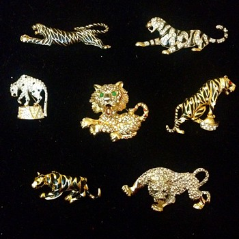 Big Cat Brooches - Costume Jewelry