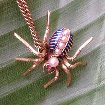 Antique Gold and Enamel Spider pendant - Victorian Era