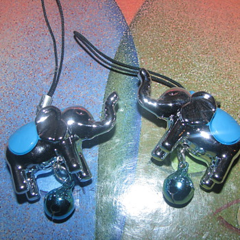 Cell phone elephant charms - Animals