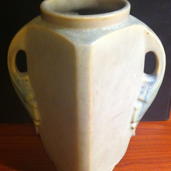 Roseville Tuscany Vase - Pottery