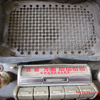 Scrap Metal yard saved 1942-48 Chevrolet radio FREE - Radios