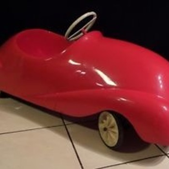 Unknown 1980 fibre glass pedal car