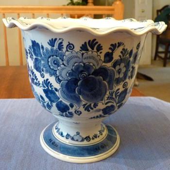 Delft Zenith Vase - Art Pottery