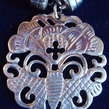 Sterling Pendant  Bee on flower?  Pendant 22.7 grams and fasteners also sterling