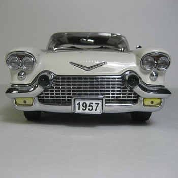 1957 Cadillac Eldorado Broughm Die-Cast Replica - Model Cars