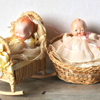 Babies in baskets! - Dolls