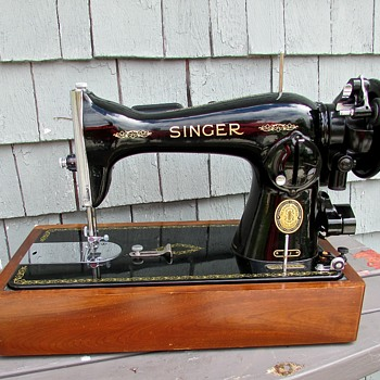 VINTAGE (& NEW!!!)  Machine  Sewing Unit Model 15J