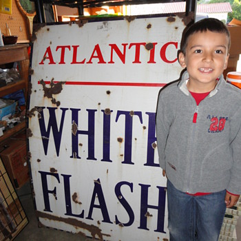 Atlantic White Flash Porcelain Sign