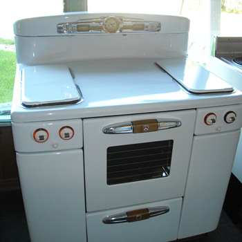 Seen a comment from you on a stove you wanted, I have one. Its a 1950 Tappan Gas Range - Kitchen