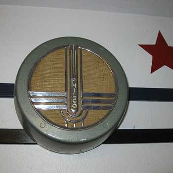 1940&#039;s Art Deco Philco wallbox speaker - Radios