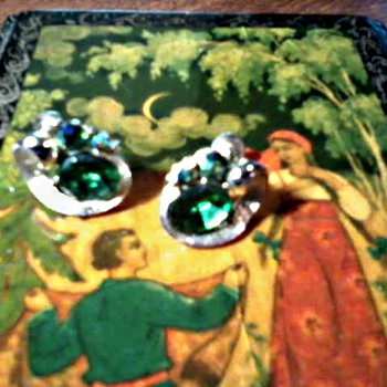 "Vintage ""Lisner"" Peacock Aurora Borealis and Faux Emerald Ear Rings /Circa 1956-60"