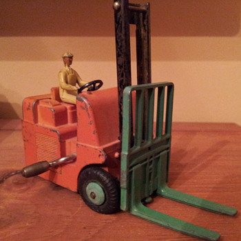 Dinky 401 Coventry Climax Fork Lift - Model Cars