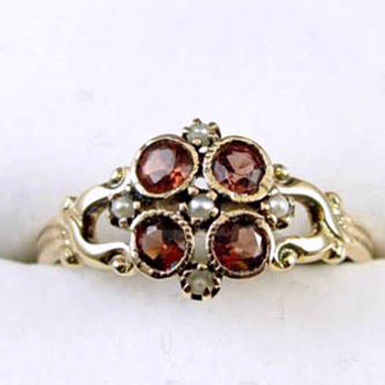 Signed WWW- White Wile & Warner Edwardian 14k garnet and pearl ring